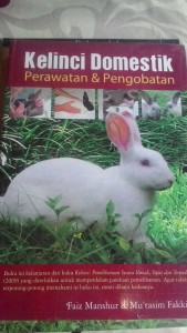 Buku kelinci Domestik Perawatan dan Pengobatan