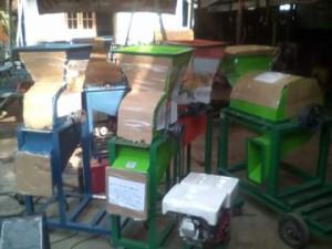Sebelum dikirim mesin di packing dulu supaya tidak tergores dgn barang kiriman lainnya