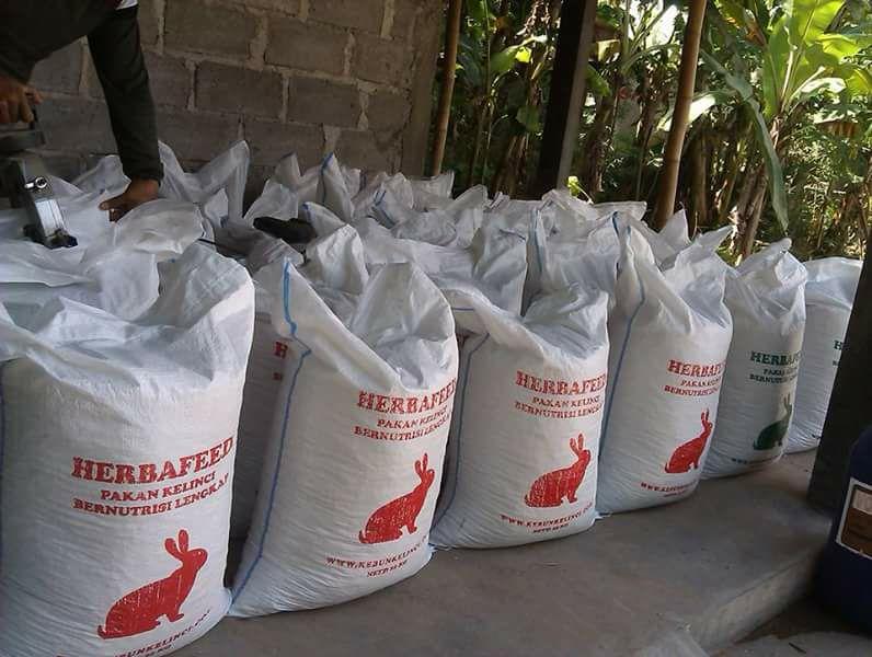 Pakan Kelinci Nutrisi Lengkap Herbafeed