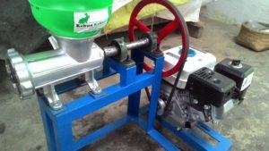 Mesin Cetak Pelet Produksi Kebun Kelinci