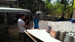 Pengangkutan air kencing kelinci murni